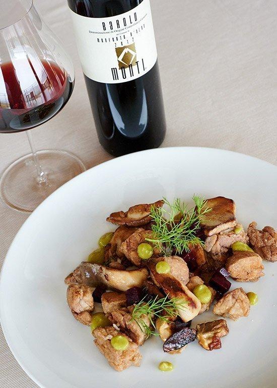 Animelle con funghi porcini e barbabietola rossa